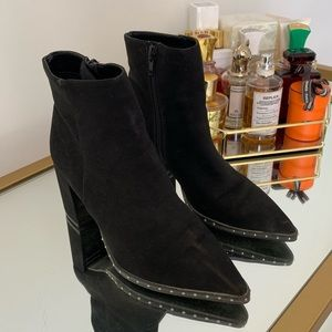 👢 BLACK POINTY TOE BOOTIES 👢